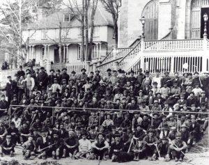 Ouvriers ayant ouvert la rue Maguire